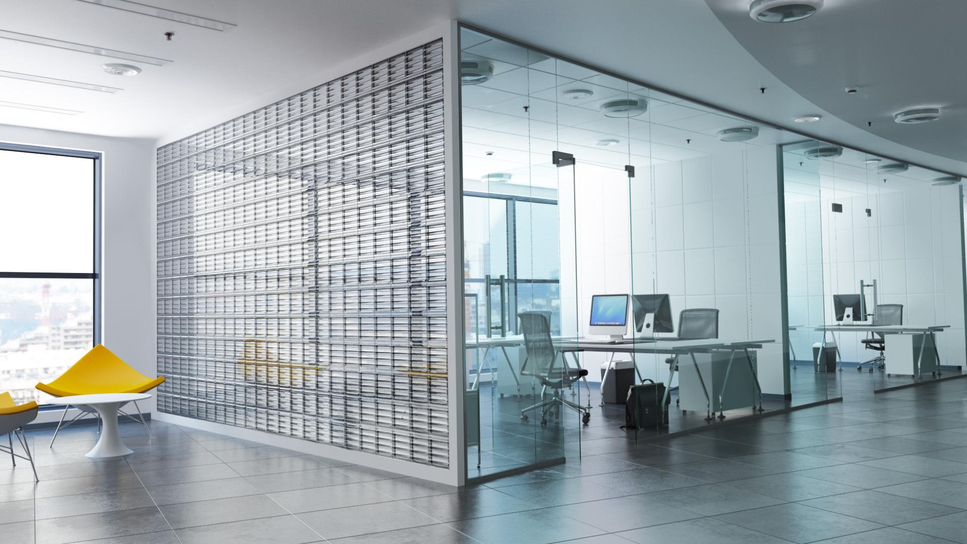 Piękna ściana w biurze z luksferów