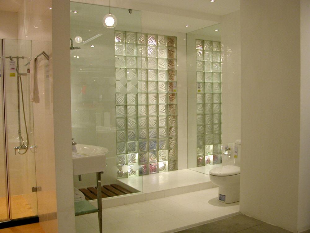 Oryginalna łazienka z luksferów industrialna