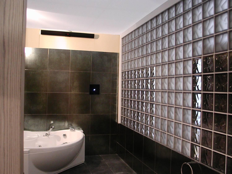 Pustaki szklane w łazience